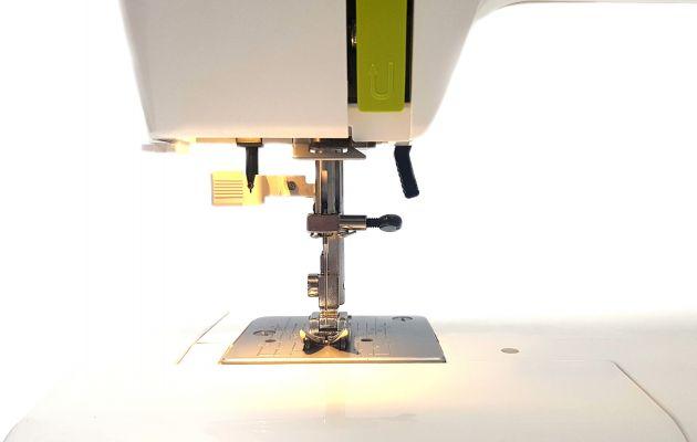 JANOME Excellent Stitch 15A электромеханическая швейная машина JANOME Excellent Stitch 15A  фото №2